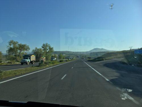 エレバンからトビリシへの道