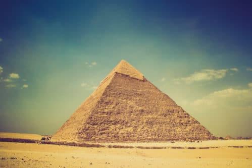エジプトピラミッドの謎と歴史 なぜ建てられたのか?どのように誰が建てたのか?