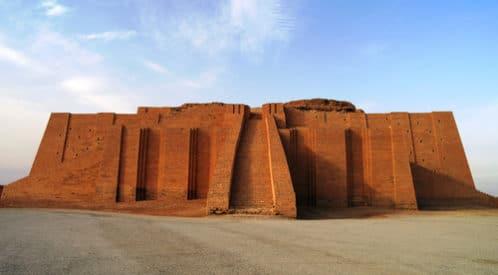 ジッグラト|古代メソポタミアの宗教的な聖塔でウルの物は現存する | tomo's artliteracy